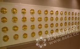 黄金脸模型墙